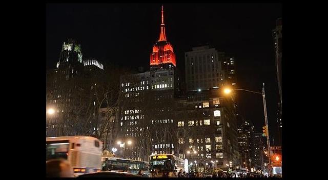 Empire State 'Noel'e Hazır