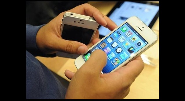 Cep telefonuna servet ödedik