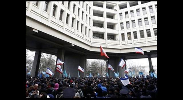 Kırım'da başbakanlık sarayı ve meclis işgal edildi!