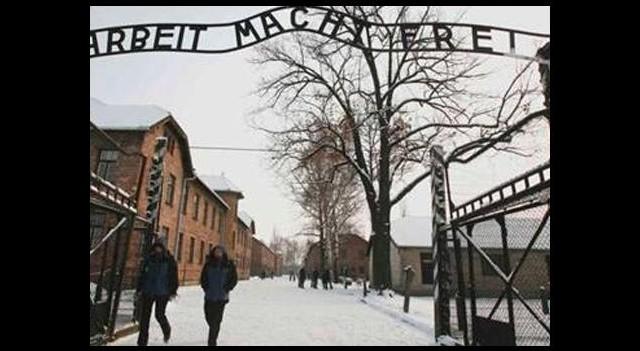İki Türk Öğrenciye Nazi Gözaltısı