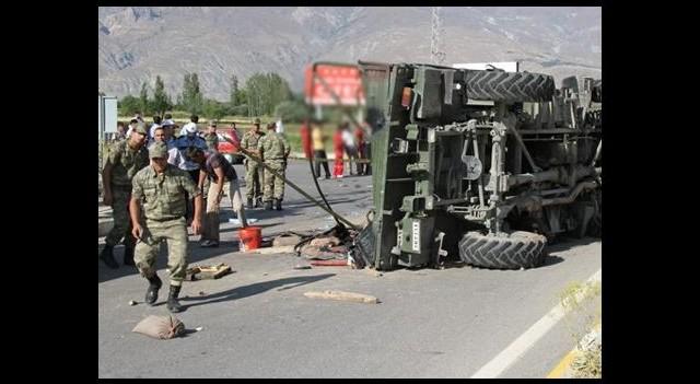Van'da kaza: 3 asker şehit oldu