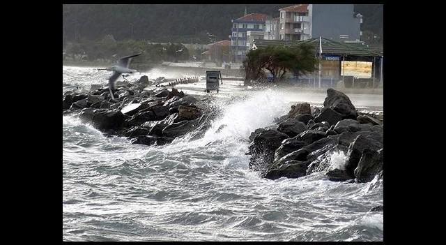 Karadeniz ve Ege'de Fırtına