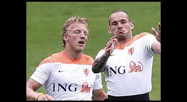 İlk skandal Kuyt ve Sneijder'den!