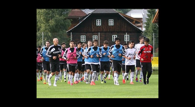 Beşiktaş Derbi Öncesi Sakatlıklarla Boğuşuyor