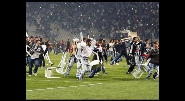 Beşiktaş davaları askıya aldı