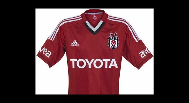 Beşiktaş'tan Kırmızı Forma