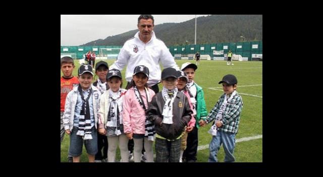 Beşiktaş Antrenmanına Anlamlı Ziyaret
