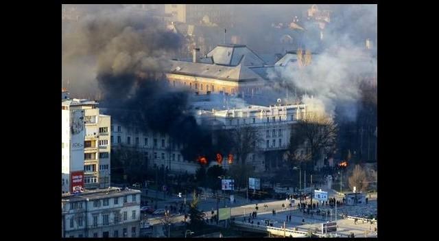 Bosna-Hersek karıştı