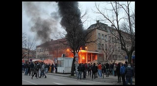 Saraybosna Kantonu Başbakanı Zelykoviç istifa etti