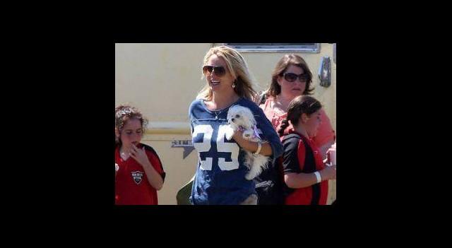 Britney Oğullarından Ayrılamıyor!