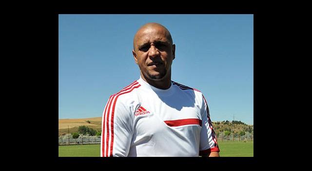 Roberto Carlos Umut Dağıttı