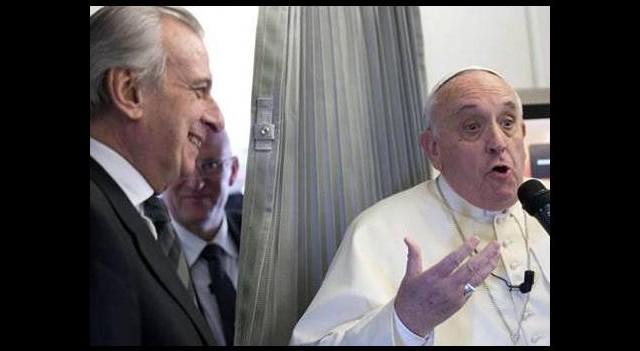 Papa: Anneme küfrederseniz yumruğu yersiniz