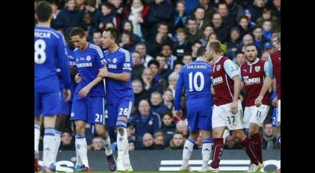 Chelsea kendi ayağına sıktı!