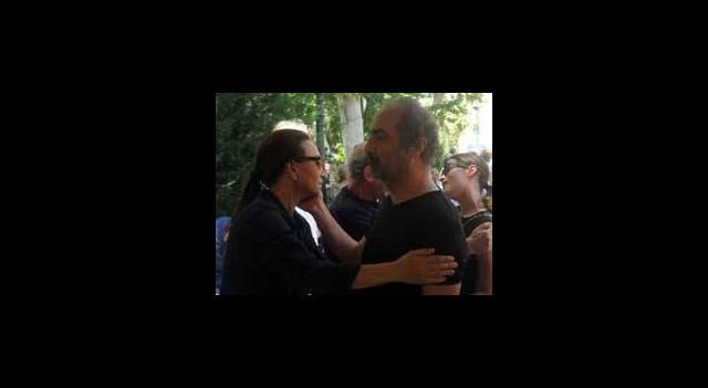 Demet Akbağ Babasını Gözyaşlarıyla Uğurladı