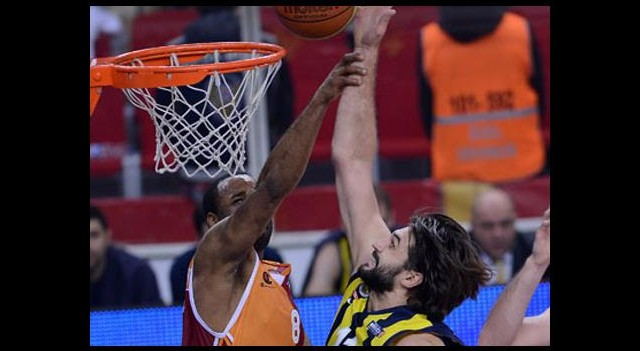 Dev Derbinin Galibi Galatasaray
