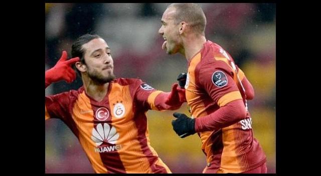Sneijder'in gol 'büyü'sü...
