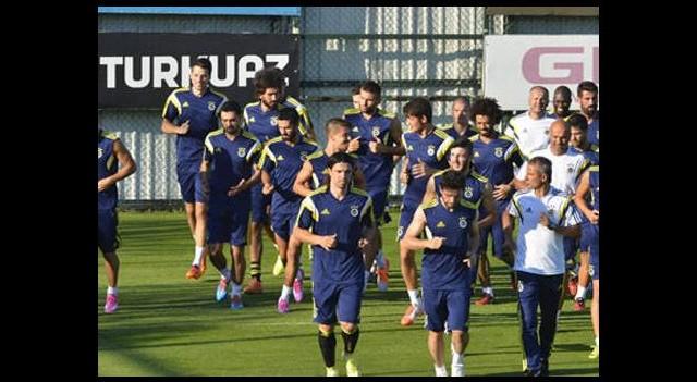 Fenerbahçe'de 3 oyuncuya büyük şok!