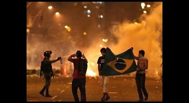 Brezilya'daki gösterilerde bir kişi hayatını kaybetti
