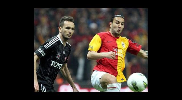 Galatasaray, Beşiktaş' Bileniyor