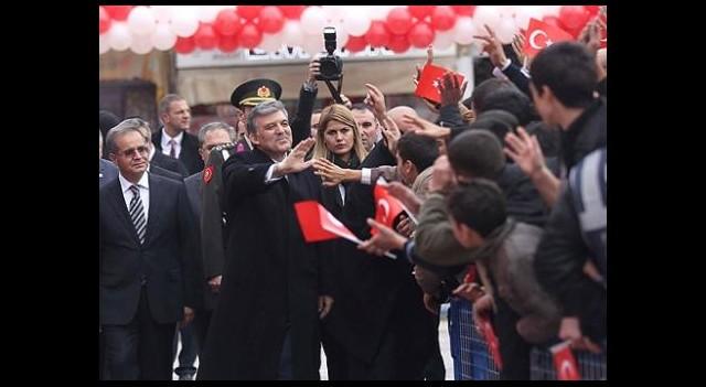 'Nüfusu 90 Bin Ama 80 Bin Suriyeli'yi Misafir Ediyor'