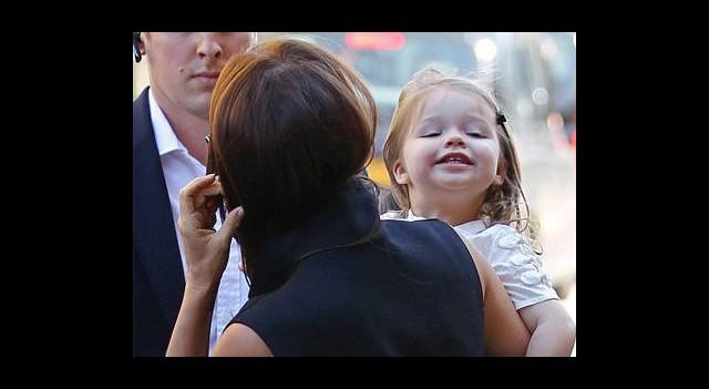 'Bak Anne, Sen Böyle Gülümsüyorsun!'