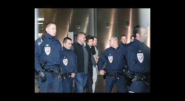 10 Fransız Polisi Harry Styles'ın Peşinde!