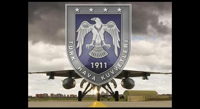 Hava Kuvvetlerini karıştıran 'Porno' skandalı