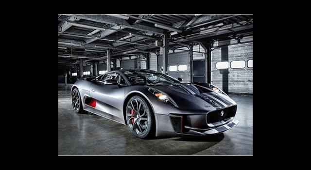 Jaguar'ın Karizmatik Hibrit Spor Otomobili Göründü