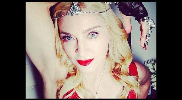 Madonna'dan şoke eden fotoğraf! Banyoda...