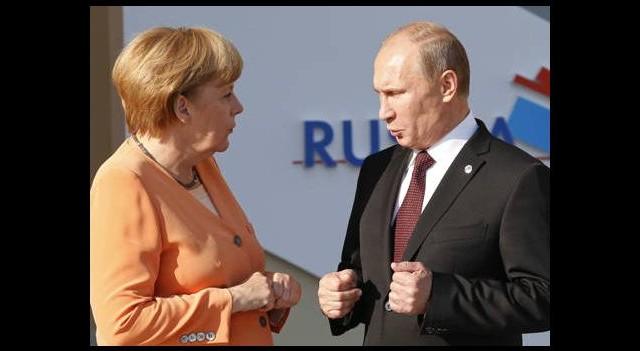 Merkel'den Putin'e sert mesaj!