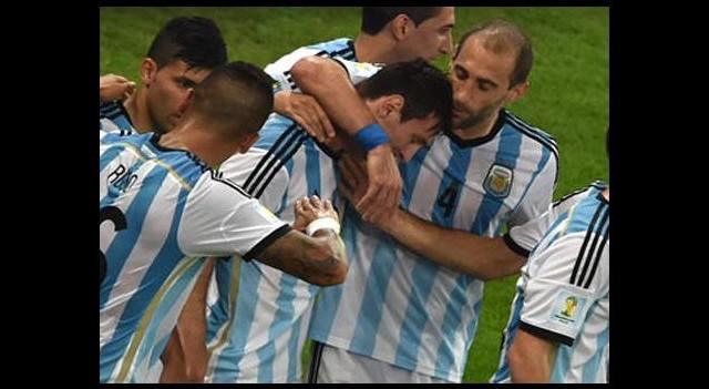 Messi sahneye çıktı Arjantin kazandı!
