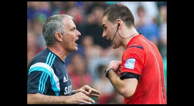 Hakem Mourinho'yu çıldırttı!