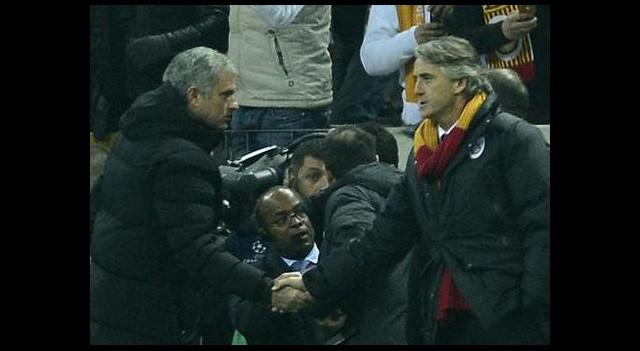 Mourinho, Mancini'ye yine kaybetmedi!