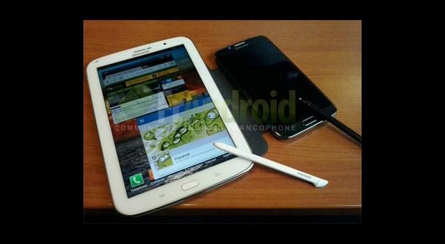 Galaxy Note 8.0'ın Yeni Fotoğrafları