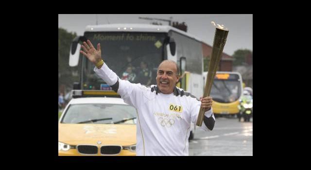 Olimpiyat Meşalesine Londra'da Saldırı