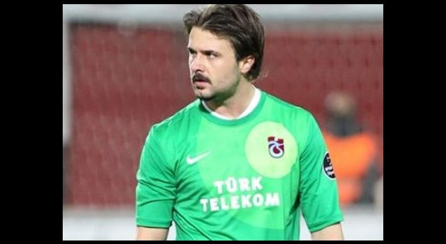 Yıldız Futbolcu İmzayı Attı!