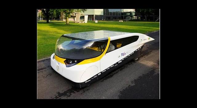 Dünyanın Güneş Enerjisiyle Çalışan İlk Aile Otomobili