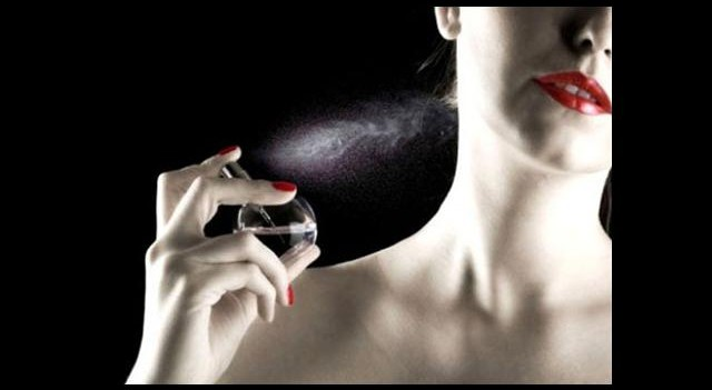 'Emziren Anne Parfüm Sürmesin'