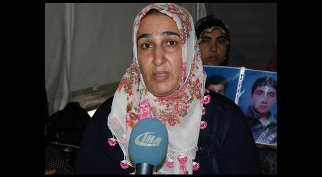 Oğlunu IŞİD'le savaşırken gören anne şoke oldu!