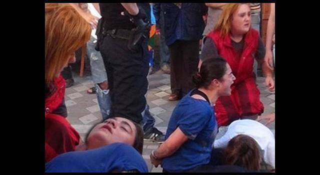 Genç kız polisi bile şaşırttı!