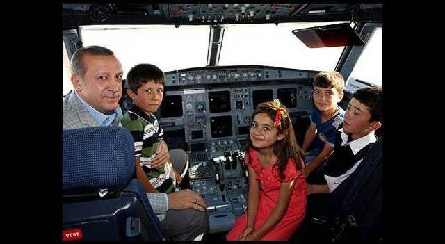 Başbakan'dan THY reklamındaki çocuklara sürpriz