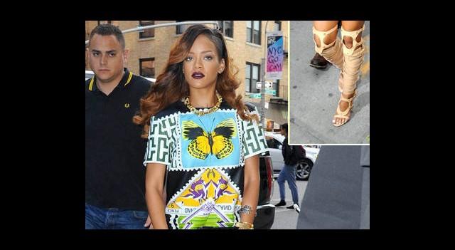Rihanna Hız Kesmiyor!