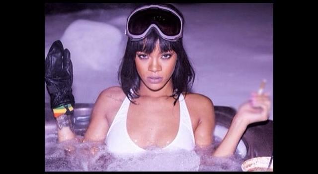 Rihanna neden 'hep' başa sarıyor?