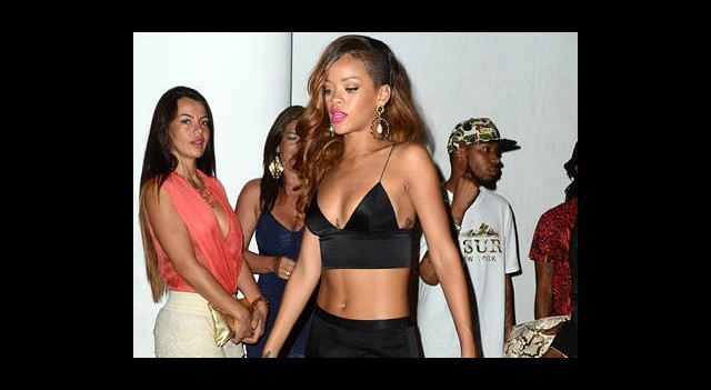 Rihanna'ya Melek Öpücüğü