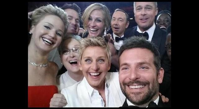 Yılın selfie pozu Oscar'dan!