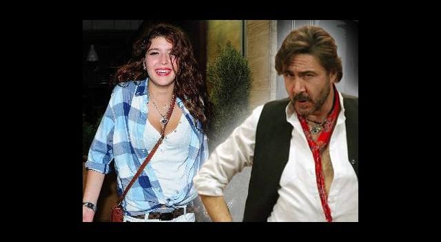 Senem Kuyucuoğlu 'Sevgılısız' Gecelerde Yakalandı!