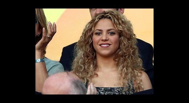 Shakira'nın Dekoltesi İran'ı Karıştırdı