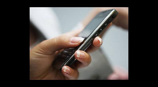 SMS Tahtını Kaptırdı