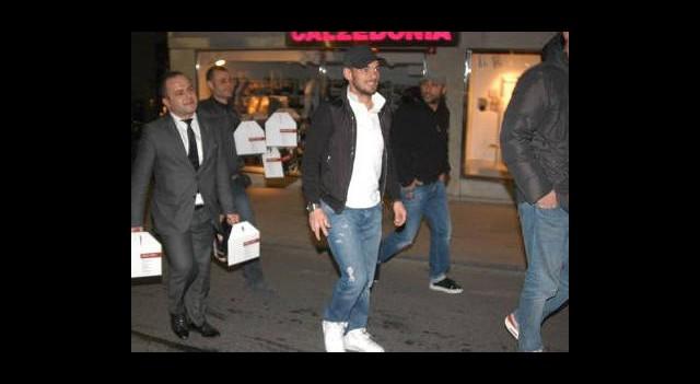 Sneijder Uzakdoğu Yemeklerine Doyamadı!