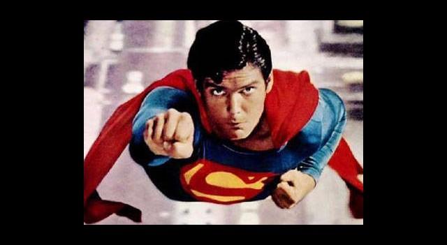Süpermen'in Annesi Öldü
